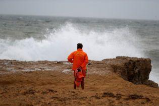 """Десятки постраждалих та сотні тисяч будинків без електрики: шторм """"Леслі"""" дістався Португалії"""