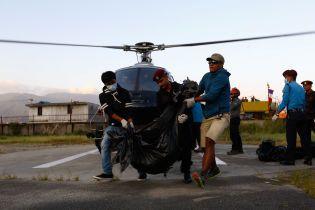 У Непалі з гір забрали тіла дев'яти загиблих альпіністів
