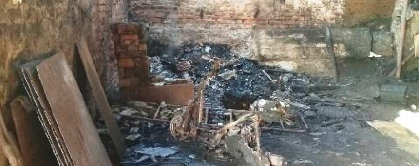 На Житомирщине во время пожара на предприятии погибли двое людей