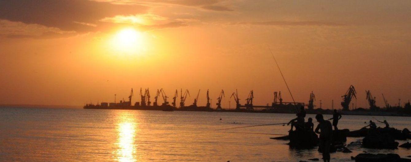 Блокада Азова: в Бердянске готовятся уволить треть работников морского порта