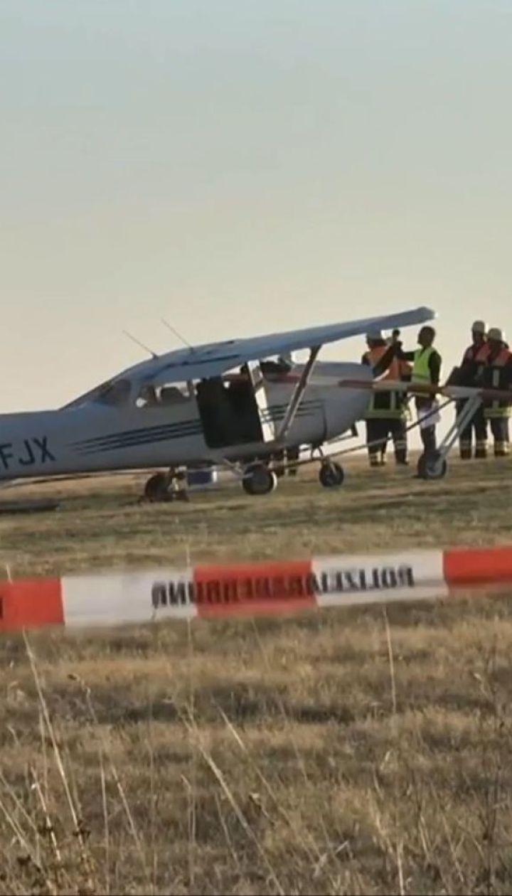 Трагическое приземление. В Германии самолет врезался в толпу людей