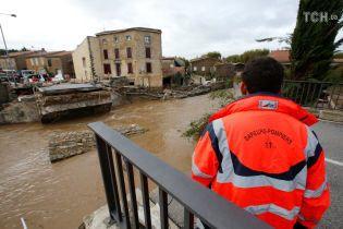 С сильным наводнением во Франции борются 350 спасателей