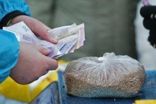 Наїлися. В Україні почали менше споживати гречки й ціни на неї впали