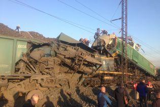 На Днепропетровщине столкнулись локомотивы, есть погибшие