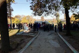 У Запоріжжі підліток розпорошив газ у школі, евакуйовані понад 300 осіб