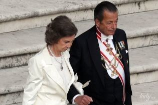 Светлый ей к лицу: 79-летняя королева София пришла на мероприятие в элегантном наряде