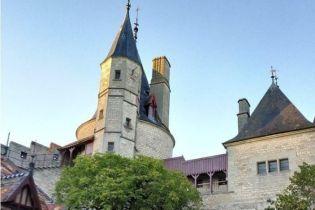 Украинский коррупционер, который сымитировал свою смерть, купил замок во Франции – Европол