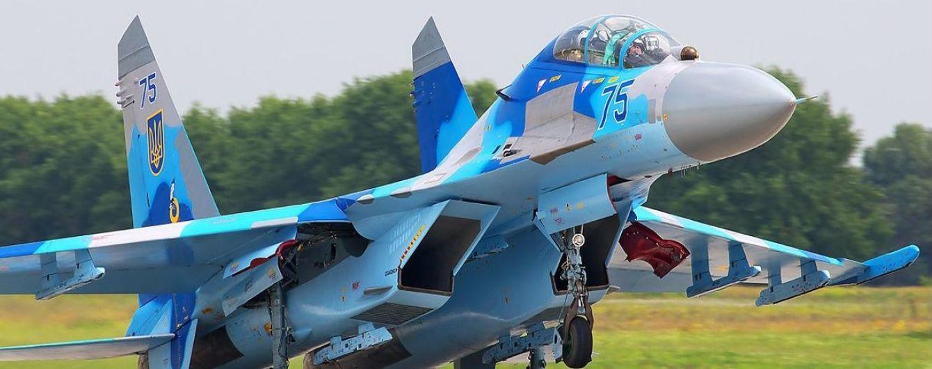 В Винницкой области во время учений упал самолет Су-27