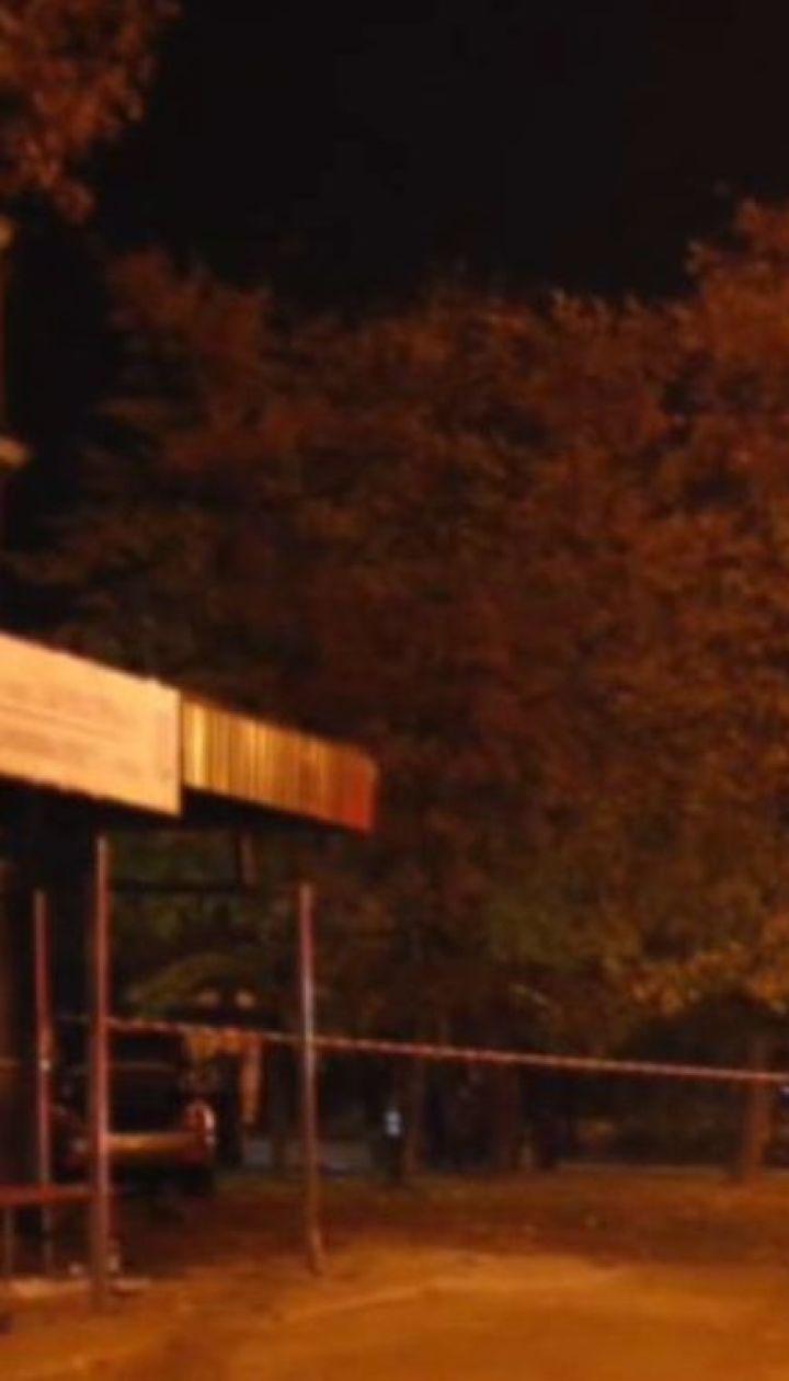 В Кривом Роге авто влетело в остановку, где находились люди