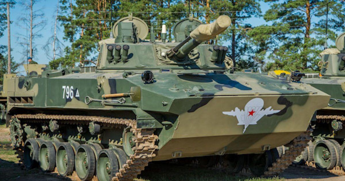 У Росії з військової частини вистрелила гармата: один боєприпас влучив у торговий центр, інший шукають