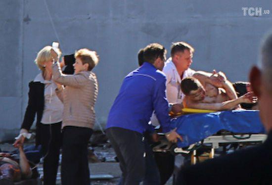 Кількість загиблих внаслідок нападу на коледж у Керчі збільшилася до 19 осіб