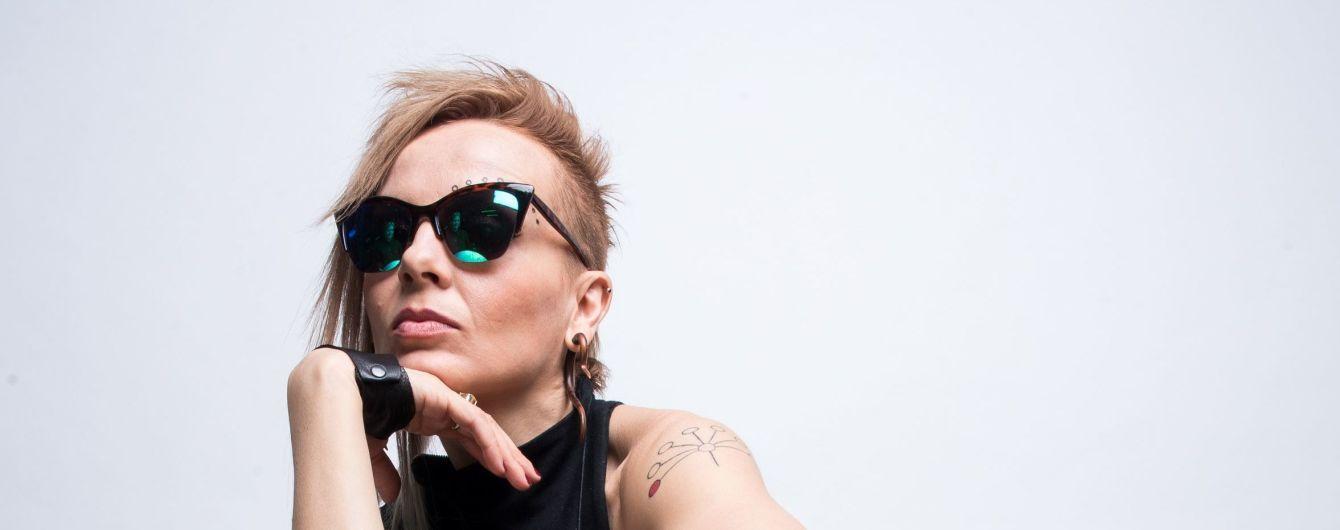 "Били ногами, табуреткою: солістка гурту ""Маша и Медведи"" розкрила деталі нападу"