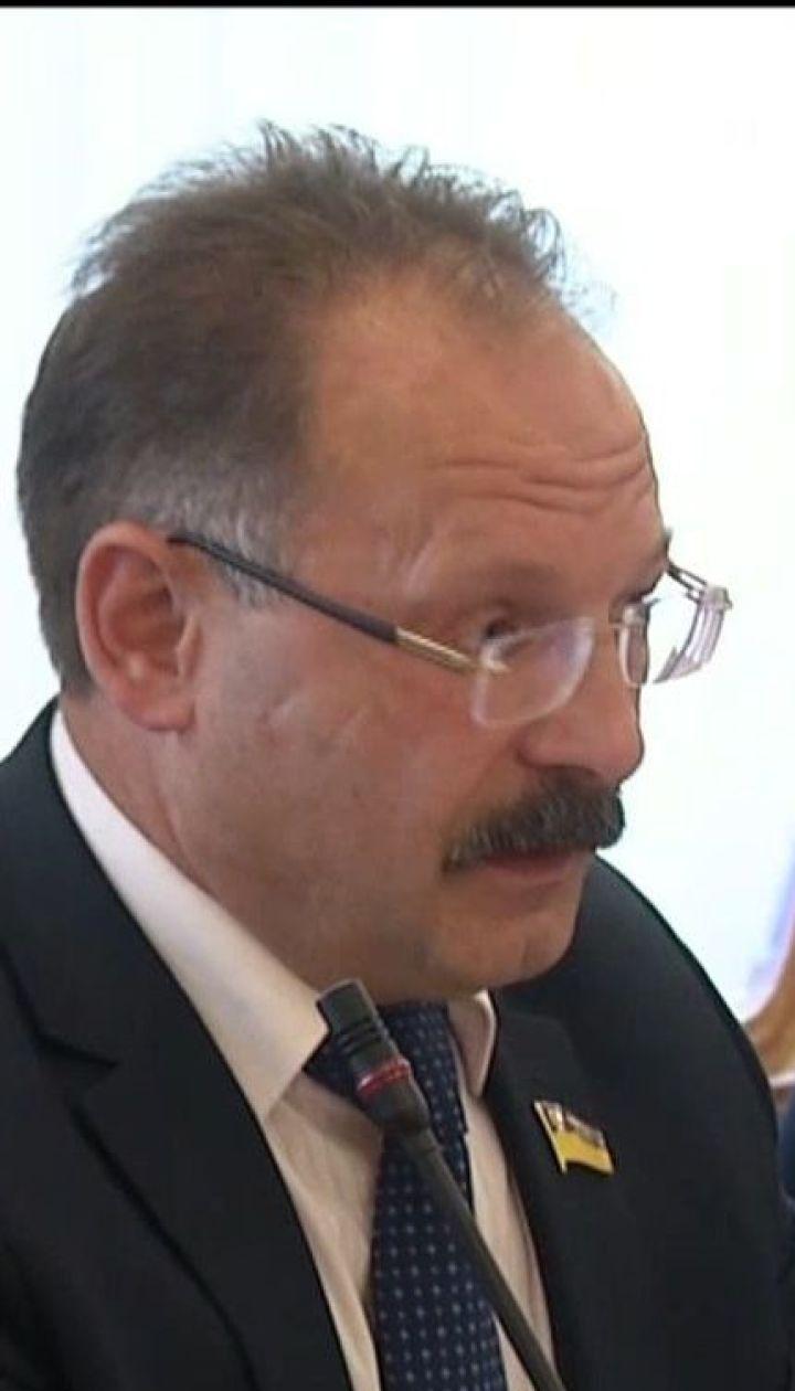 Несмотря на давление депутатов, Олег Барна так и не извинился перед журналистом за свою брань