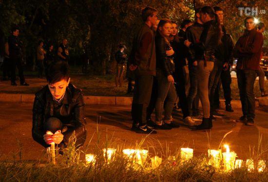 До 20 осіб збільшилося число загиблих унаслідок стрілянини у Керчі