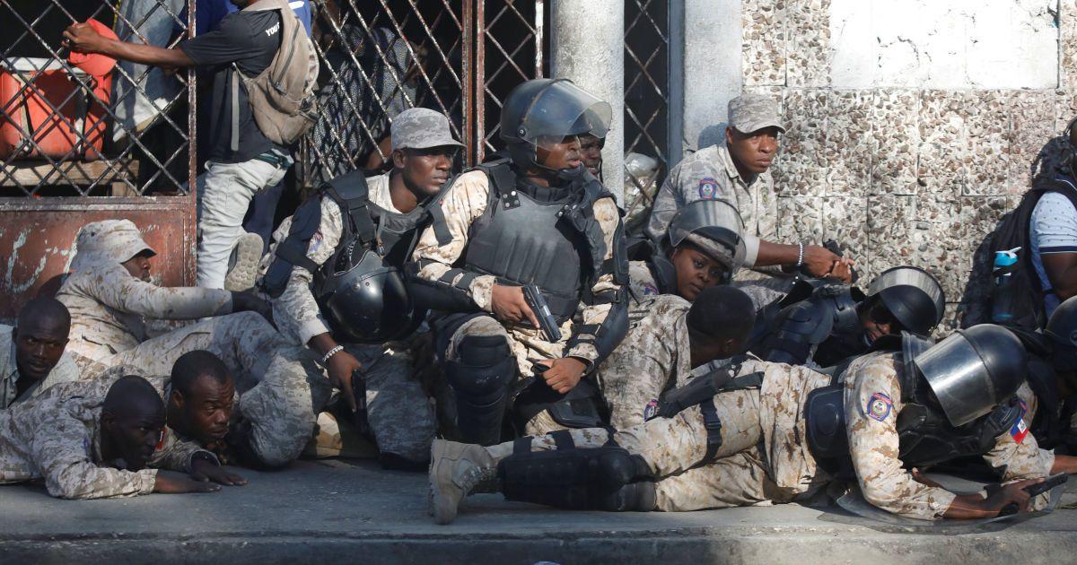 Картинки по запросу гаити покушение президент
