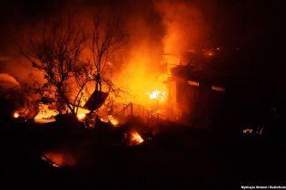 В Одесі на узбережжі вигоріли дотла 16 пляжних будиночків і будівля адміністрації