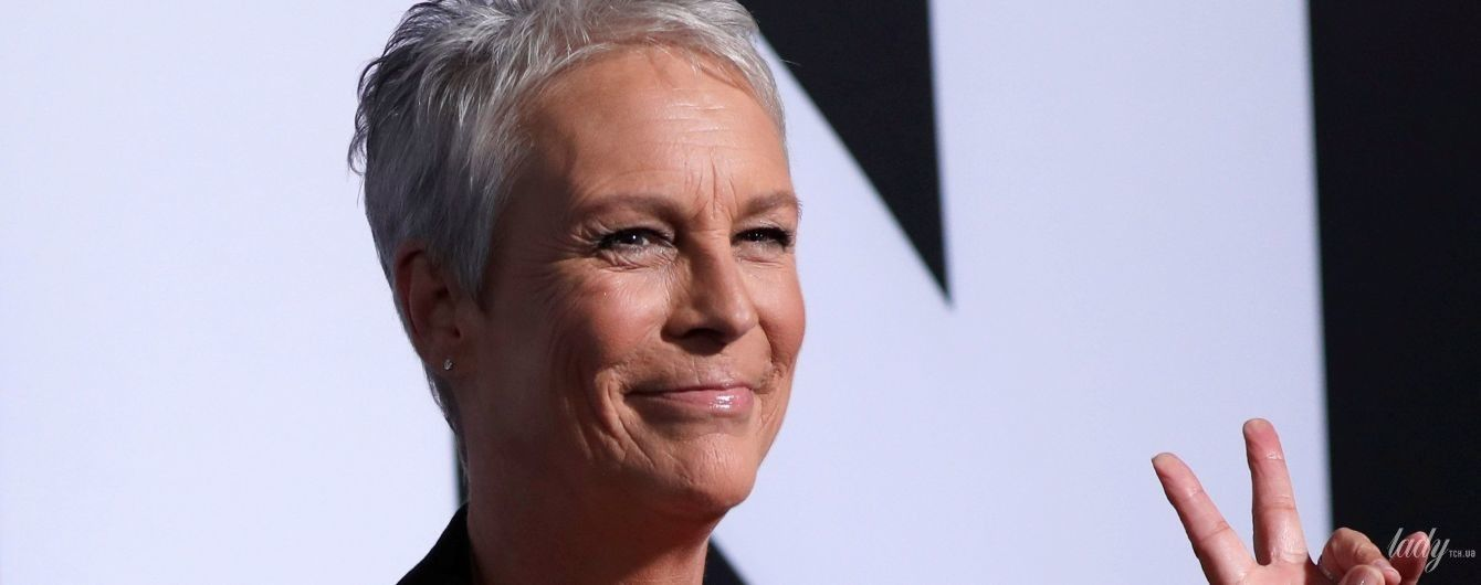 Вот это декольте: 59-летняя Джейми Ли Кертис произвела фурор своим сексуальным бюстом на премьере фильма
