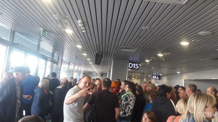 Ваэропорту Борисполь застряли 200 пассажиров