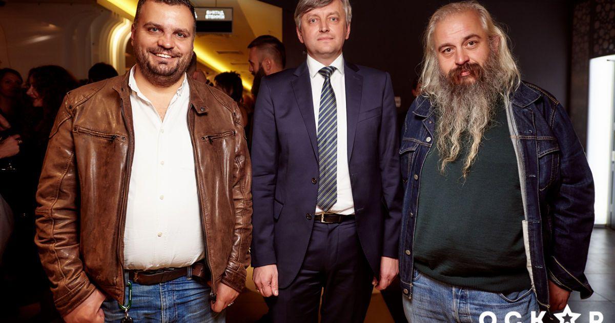 Сергей Лозница (в центре)