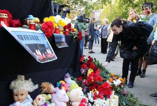 Путін вважає вбивства в коледжі Керчі наслідуванням розстрілів у школах США