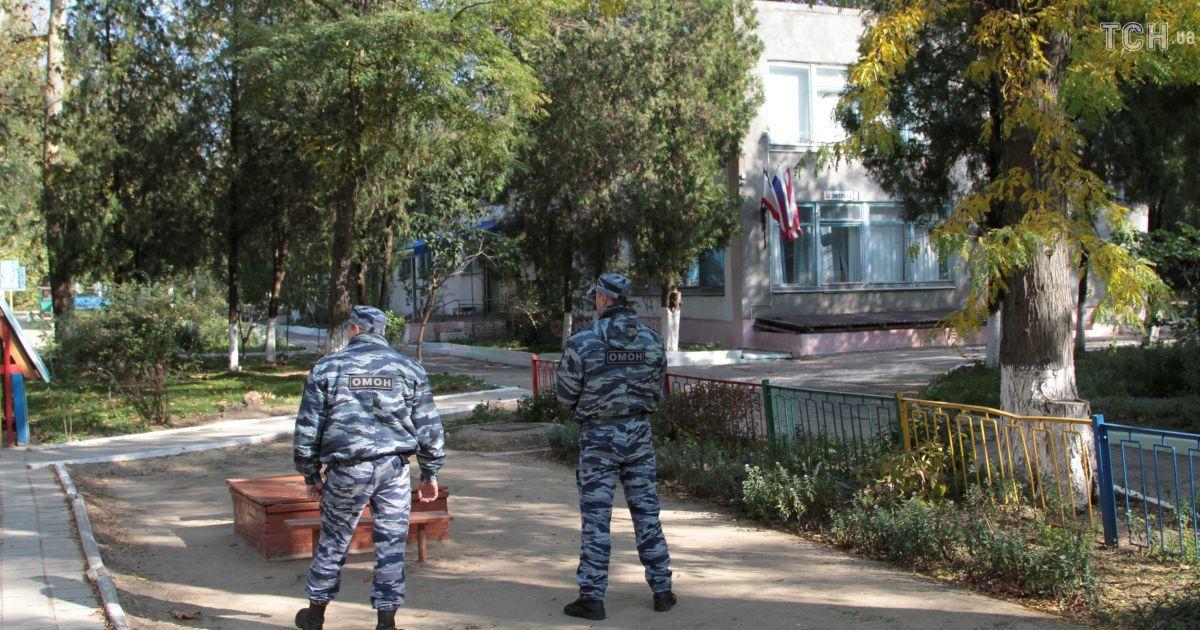 После атаки политехнического колледжа в Керчи усилили меры безопасности @ Reuters