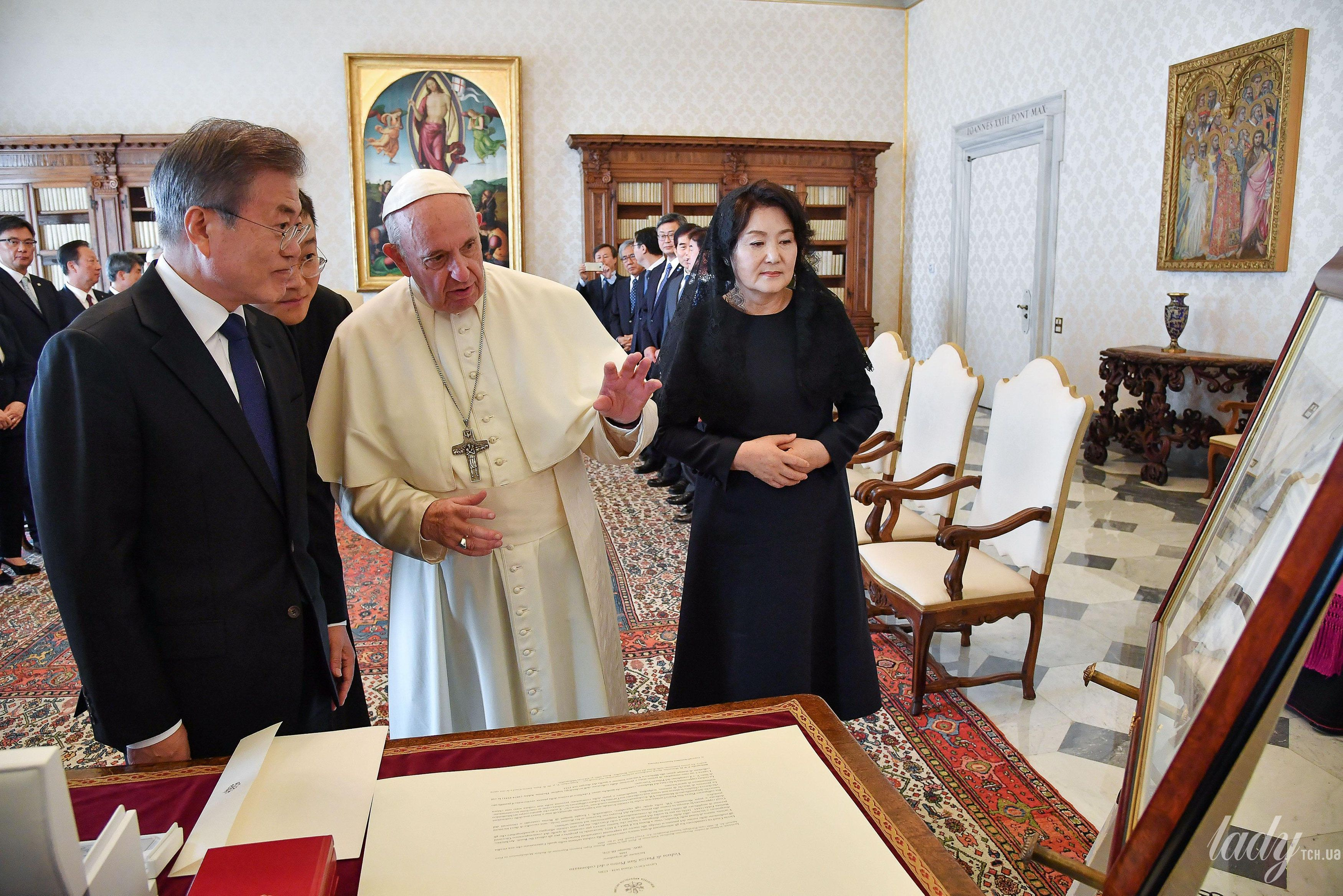 Президент Южной Кореи с супругой_3