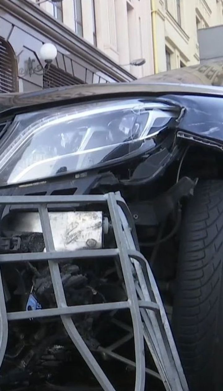 На столичном Подоле 20-летний водитель спровоцировал масштабную аварию