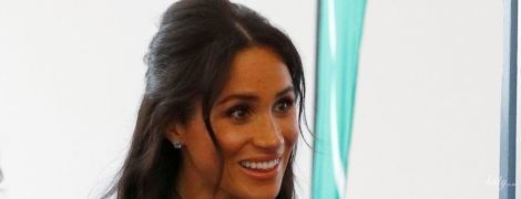 Синий ей к лицу: еще один эффектный выход герцогини Сассекской Меган