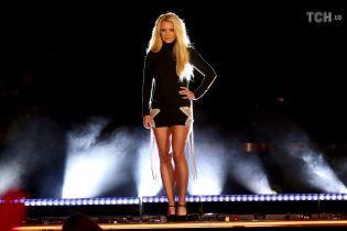 Брітні Спірс у мікросукні влаштувала грандіозне шоу просто на вулиці Лас-Вегаса