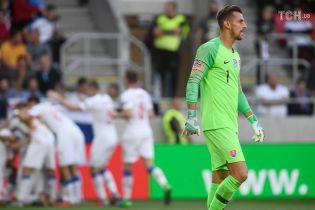 Сімох футболістів збірної Словаччини покарали за гульки у нічному клубі