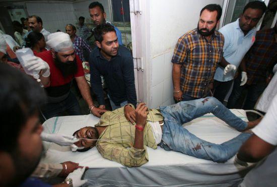 В Індії зросла кількість жертв трагедії на залізничній колії