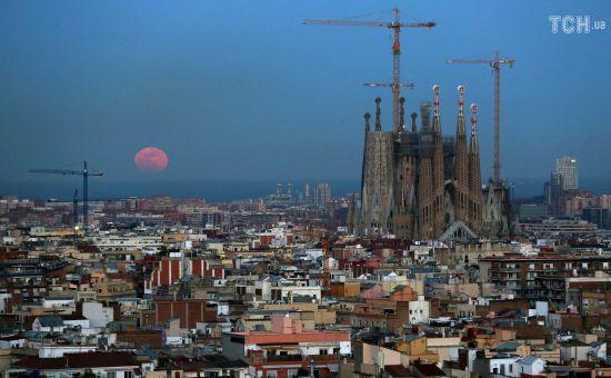 Незаконна забудова зі світовою славою: влада Барселони оштрафувала собор Гауді на 36 мільйонів
