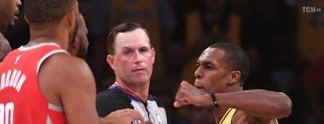 Команда українського баскетболіста влаштувала масову бійку в матчі НБА