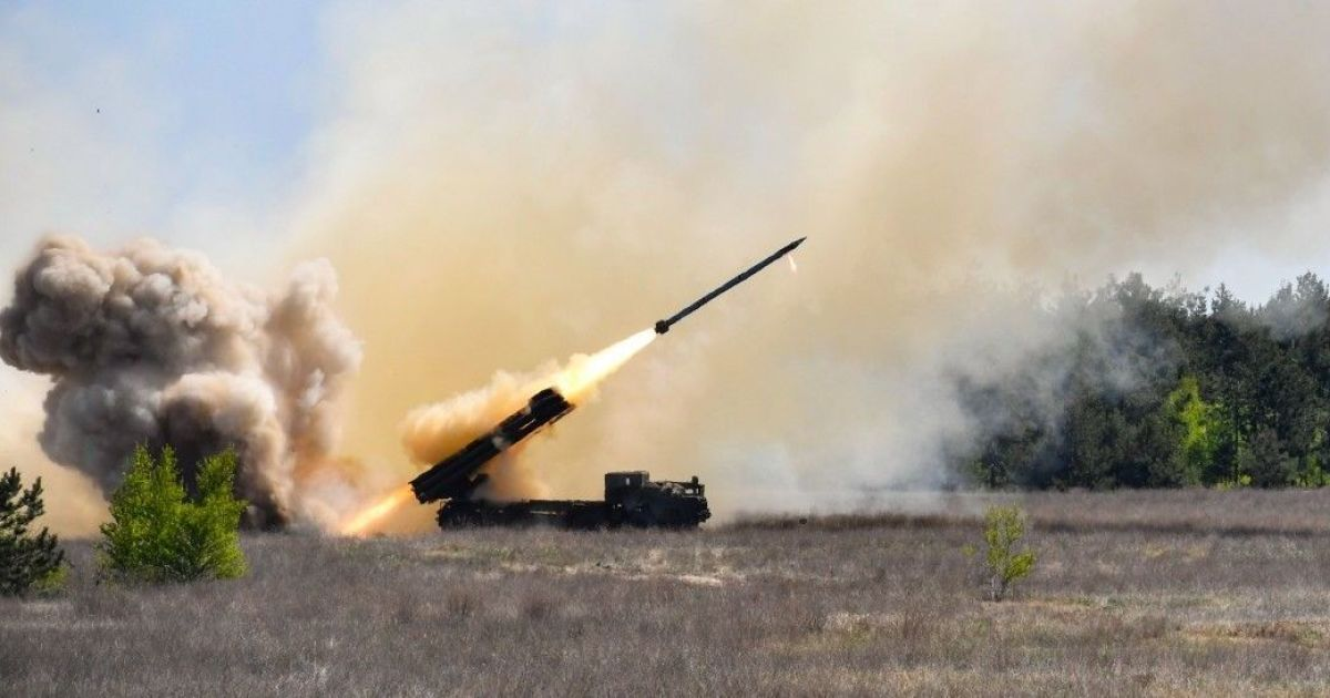 """Мощная артиллерия. Украинская армия взяла на вооружение новый ракетный комплекс """"Ольха"""""""
