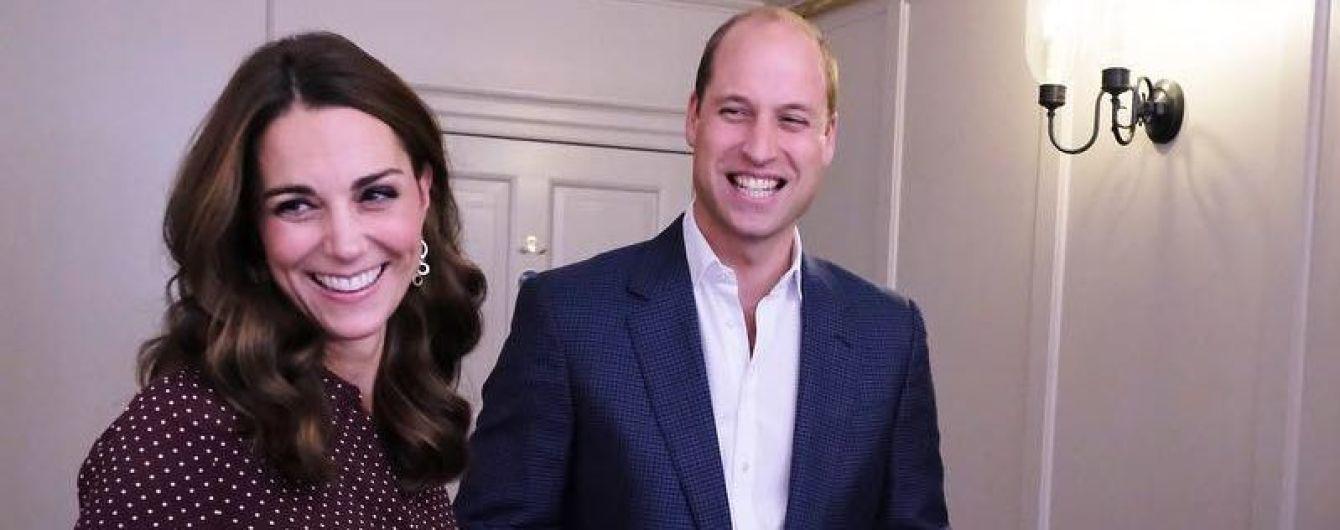 Неожиданный выход: герцогиня Кембриджская пришла на вечеринку в очень демократичном платье