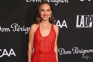 В червоній сукні від Dior: Наталі Портман на світському вечорі в Лос-Анджелесі