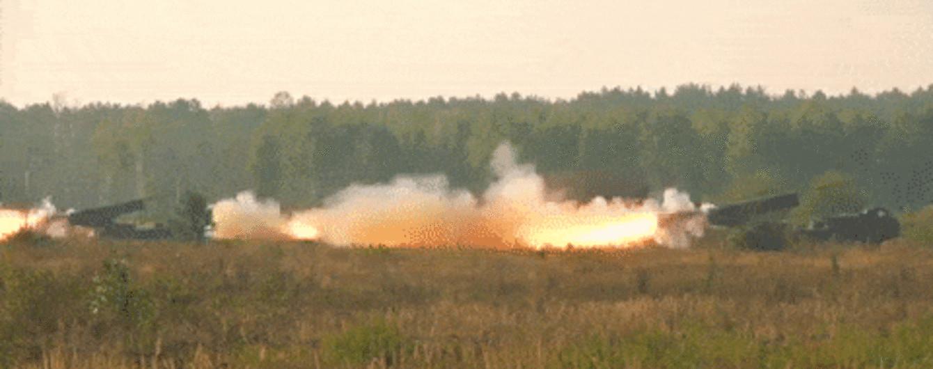 """""""Укроборонпром"""" показав у дії нові реактивні системи """"Ураган"""", які отримала українська армія"""