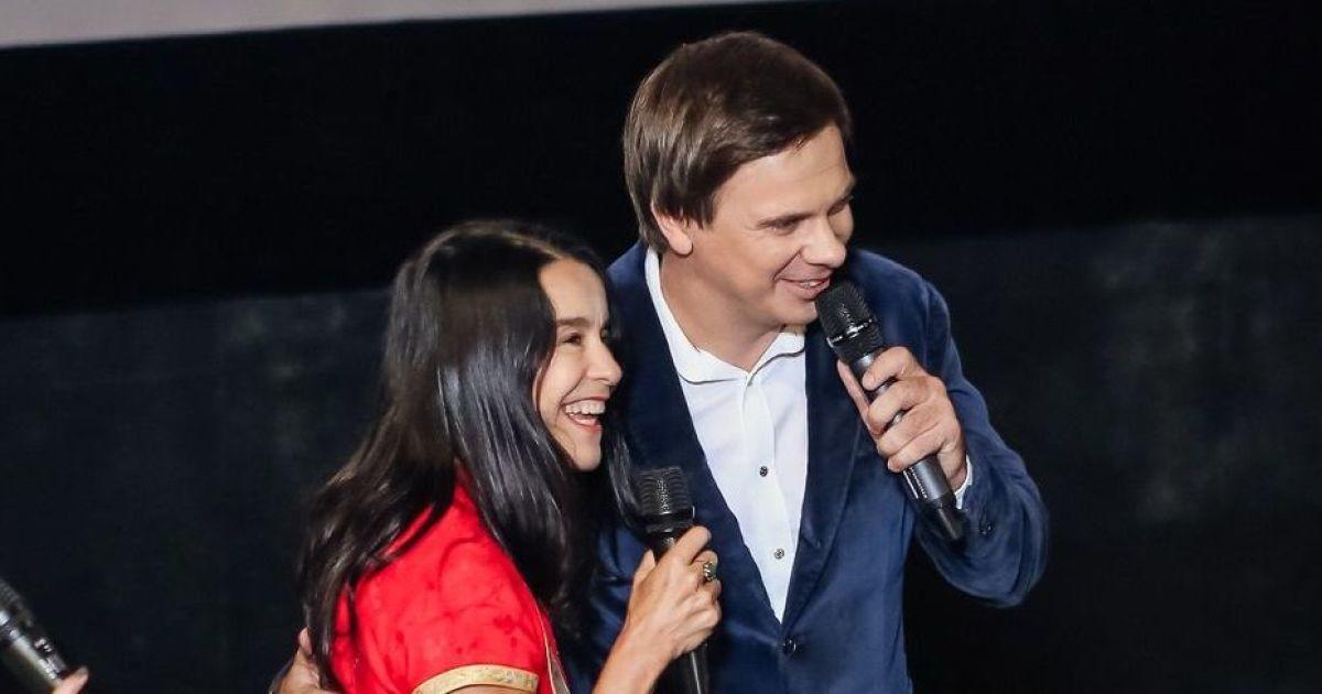"""Життєрадісна """"Рабиня Ізаура"""" заспівала з Комаровим """"Червону руту"""" у Харкові"""