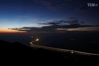 У Китаї офіційно відкрили найдовший у світі морський міст