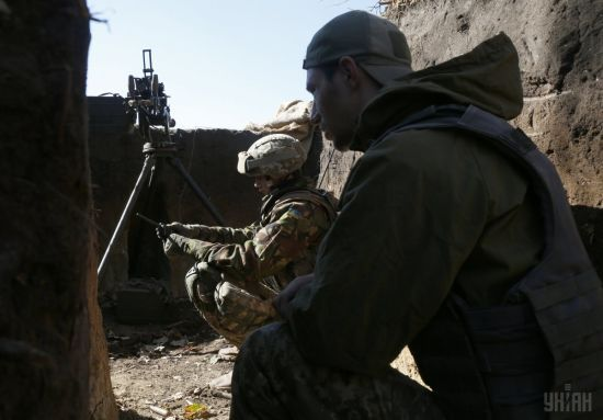 Під час бойових дій на Донбасі один український військовий отримав поранення і ще один зник