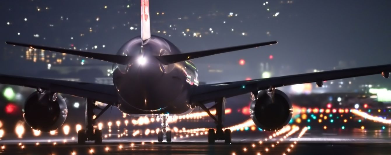 В американском аэропорту столкнулись два самолета