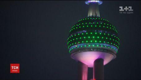 В Шанхае представили масштабное световое шоу