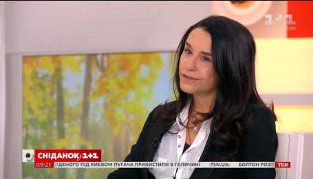 """Луселія Сантус поділилася враженнями від відвідин України у прямому ефірі """"Сніданку"""""""
