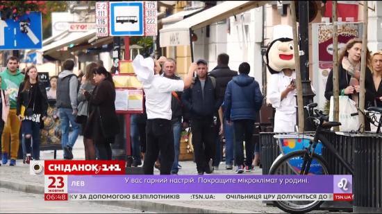 Робота за кордоном: чому та куди українці їдуть на заробітки, а також скільки заробляють