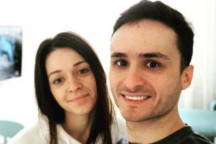 Ігор Ласточкін з красунею-дружиною та підрослим сином знялися у родинній фотосесії