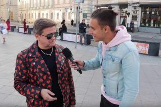 Куртка за 700 евро и часы от олигарха. Украинский политолог похвастался в Москве стоимостью своего гардероба