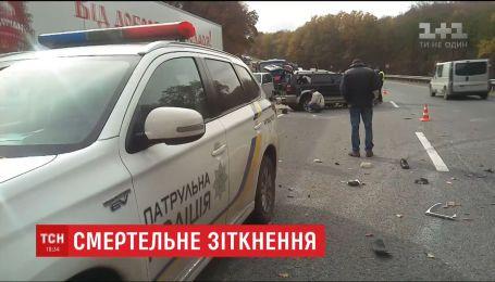 На Львовщине в результате столкновения фуры и внедорожника погиб мужчина