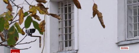 На Волыни исчез заключенный, который свободно гулял по улицам вместо отбывать наказание в тюрьме