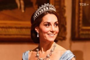 Кейт Миддлтон в вечернем платье и с тиарой принцессы Дианы стала королевой вечера