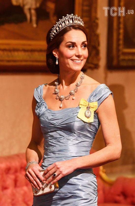 Кейт Міддлтон у вечірній сукні та з тіарою принцеси Діани стала королевою вечора